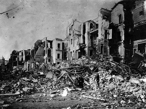 NH 1447:   Messina Earthquake, Sicily, Italy.   Damage caused by the earthquake.  Photographed in January 1909.   NHHC Photograph Collection.