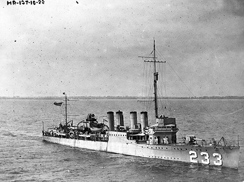 NH 53732:  USS Gilmer (DD-223) in Hampton Roads, Virginia, 1922.   NHHC Photograph Collection.