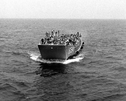 LCU-1654, with 276 refugees from war-torn Beirut, Lebanon, approaches USS Spiegel Grove (LSD-32).    NHHC Photograph Collection, Navy Subject Files, Wars and Events.