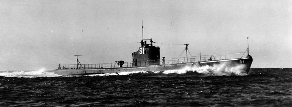 NH 69872:  USS Salmon (SS-182), running speed trial, early 1938.  NHHC Photograph Collection.