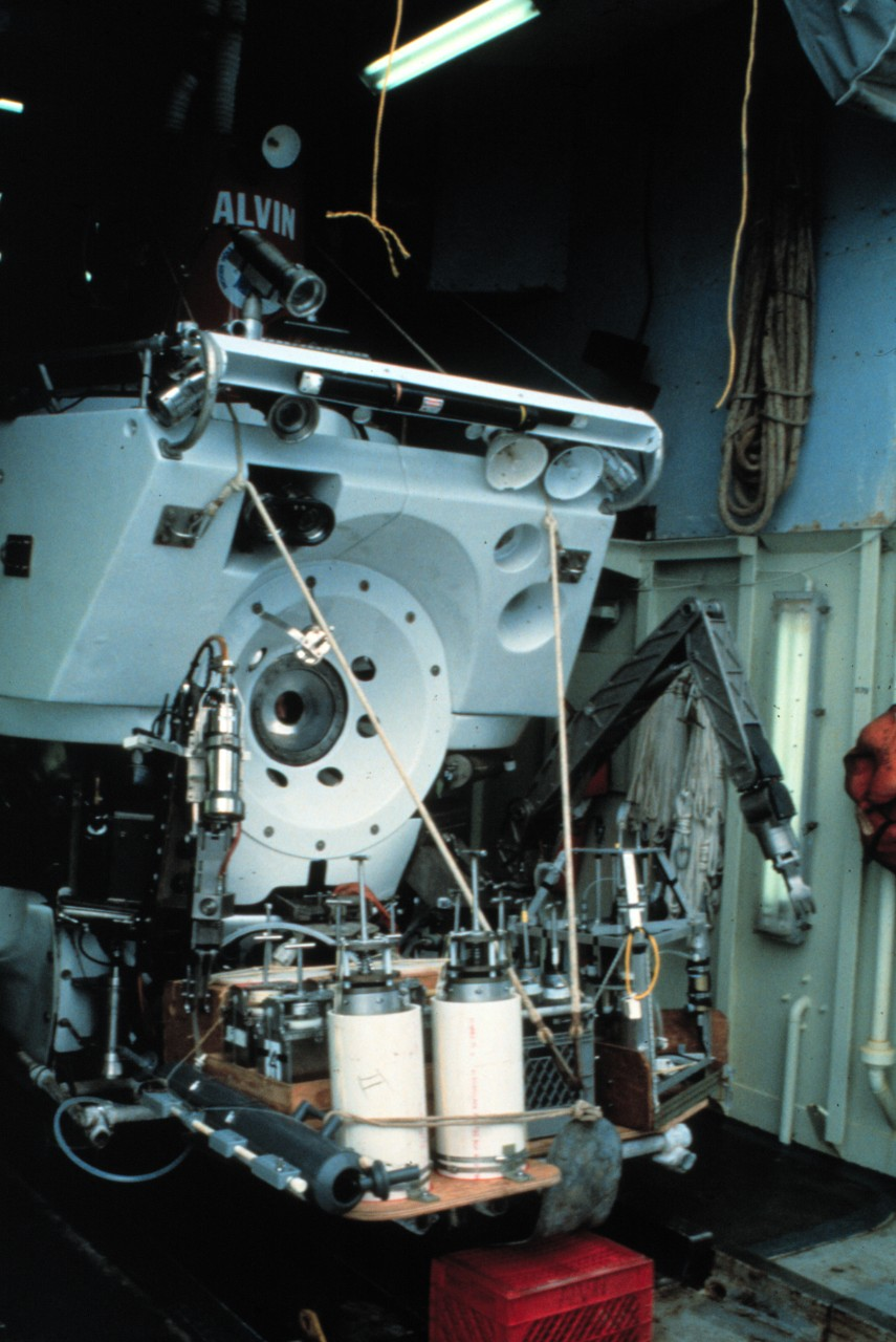 NUR 07552:   DSV Alvin, loaded for sample collection dives in 25000 meters of New Jersey.  Photographed by F. Grassle.   Courtesy of the National Oceanic and Atmospheric Administration.