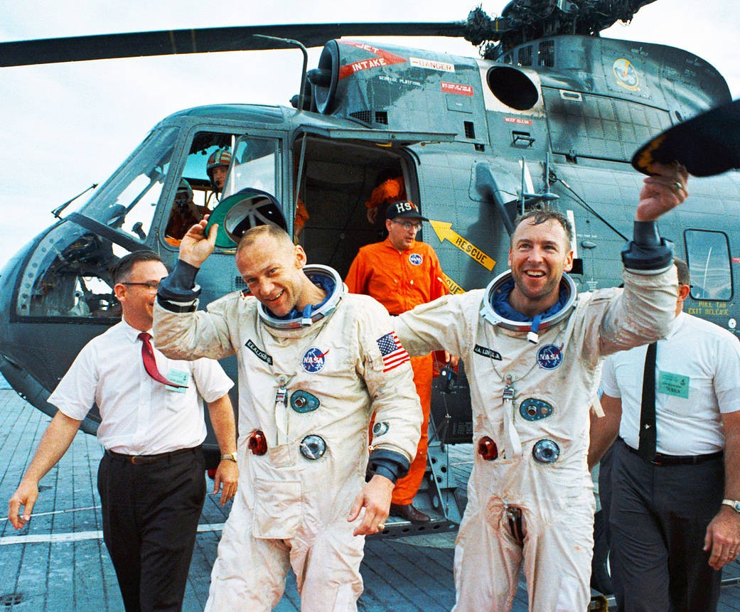 Recovery of Gemini 12 Crew by USS Wasp