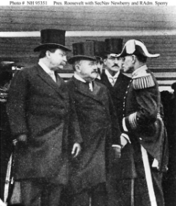 NH 95351: President Roosevelt with Secretary of the Navy Newberry and Rear Admiral Sperry at end of world cruise.