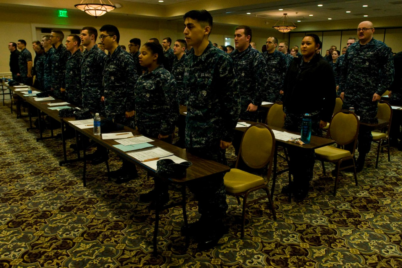 Sailors recite The Sailor's Creed prior to the Navy-wide E-4 advancement exam at Naval Air Station Patuxent River.