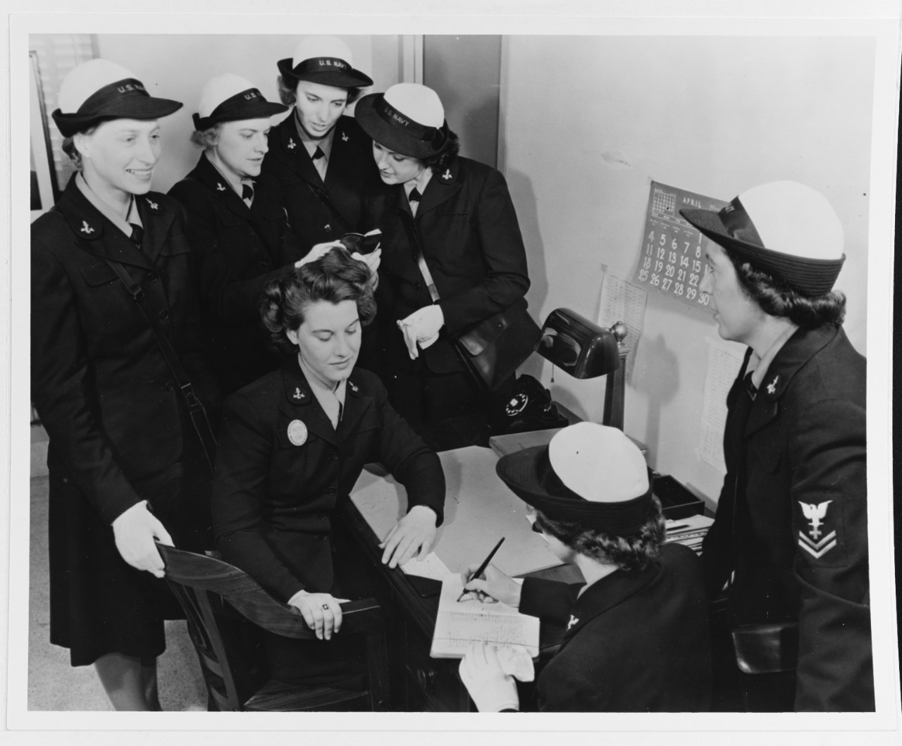 Photo #: 80-G-41038  U.S. Navy enlisted WAVES