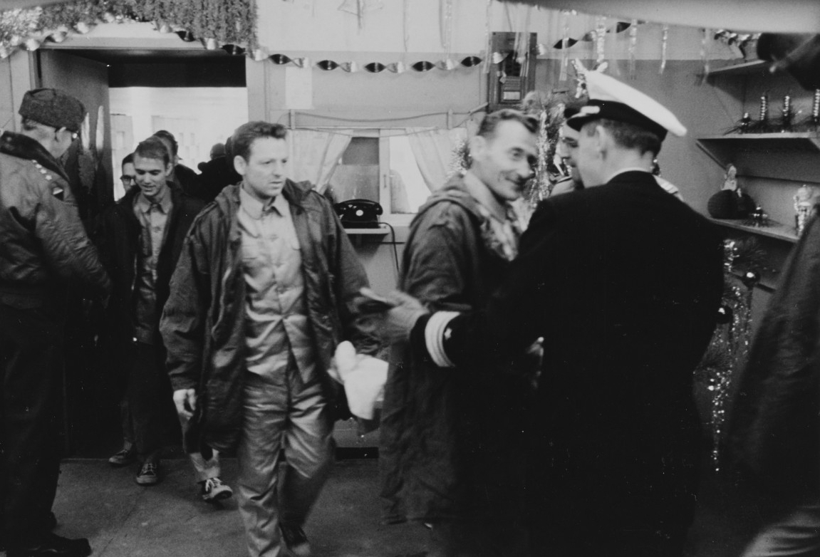 Photo #: K-64711  Repatriation of USS Pueblo Crew, December 1968