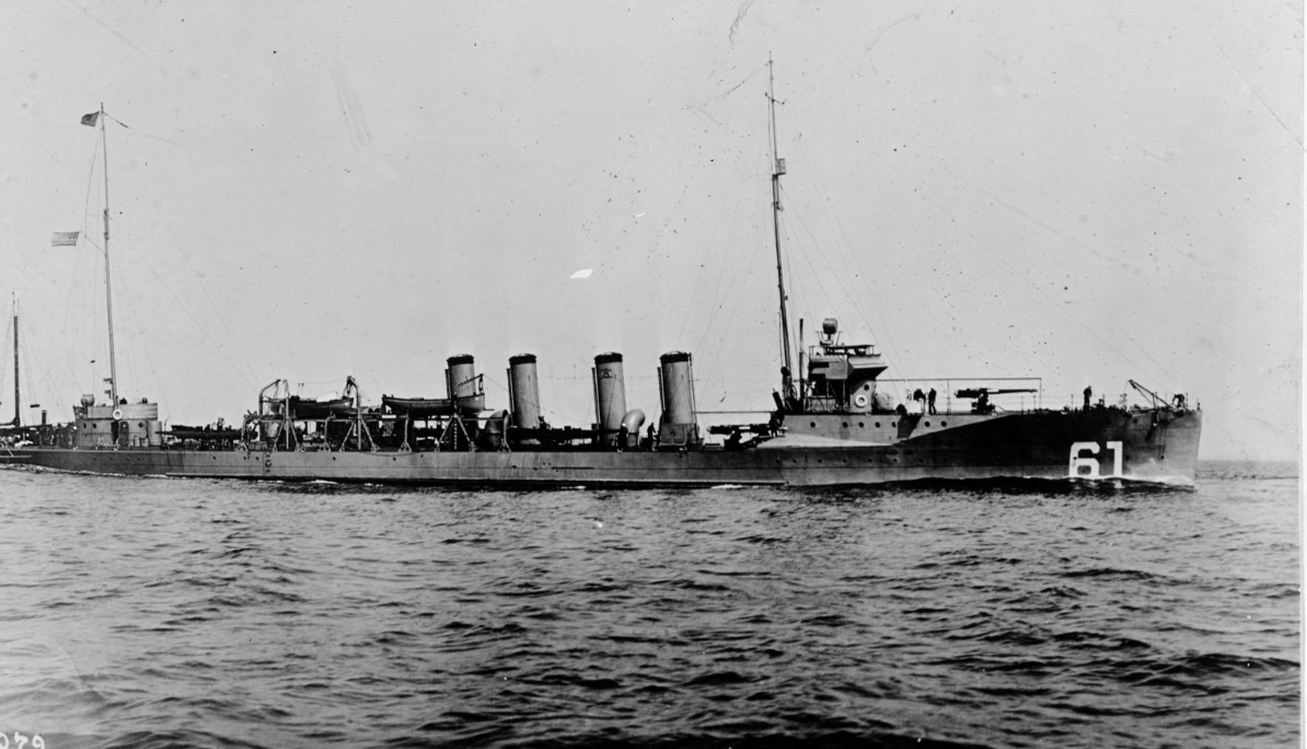 <i>Jacob Jones</i> (Destroyer # 61) Underway in 1916, soon after she was completed.