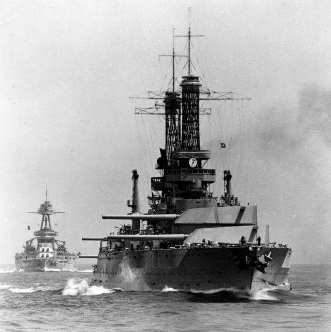 NH 73834 USS Idaho (BB-42) USS Texas (BB-35)