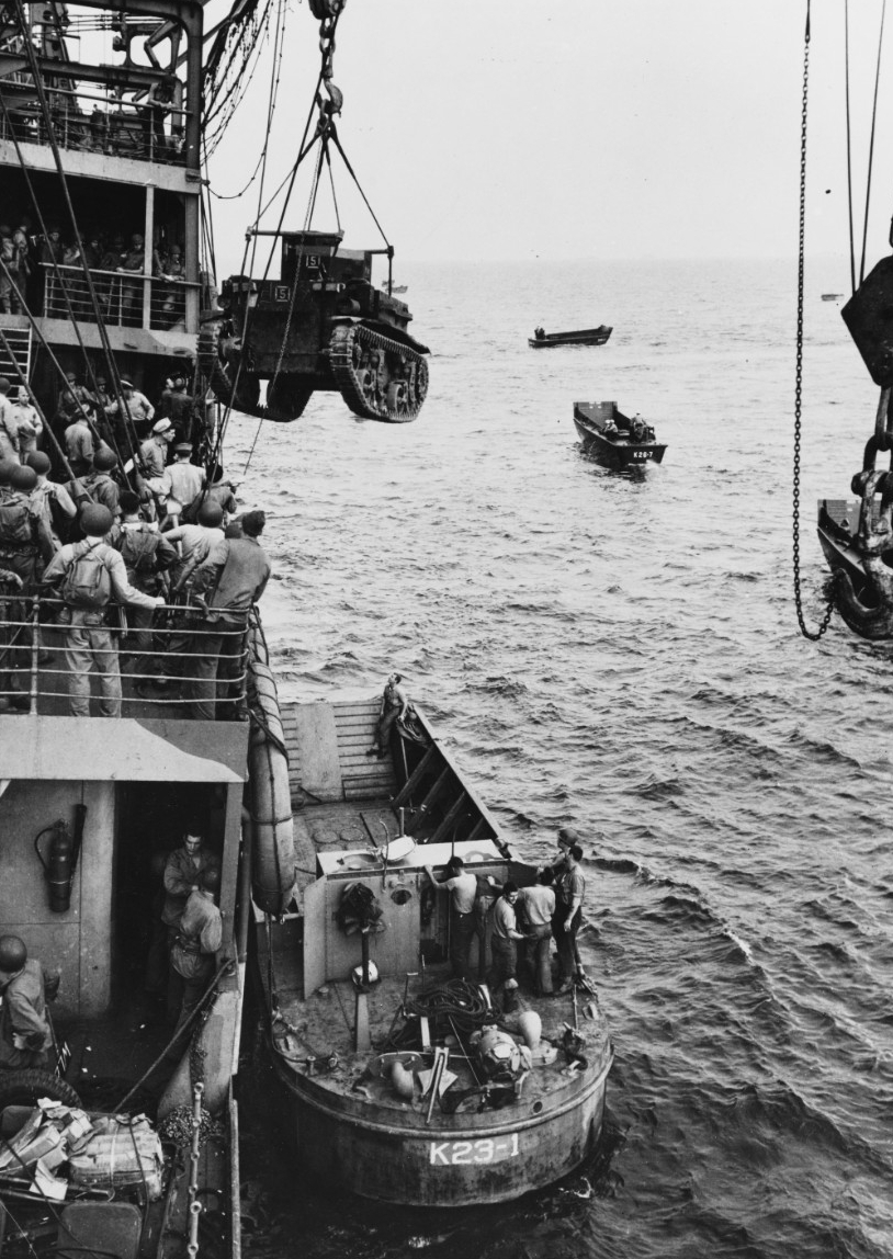 Photo #: 80-G-10973  Guadalcanal-Tulagi Landings, 7-9 August 1942
