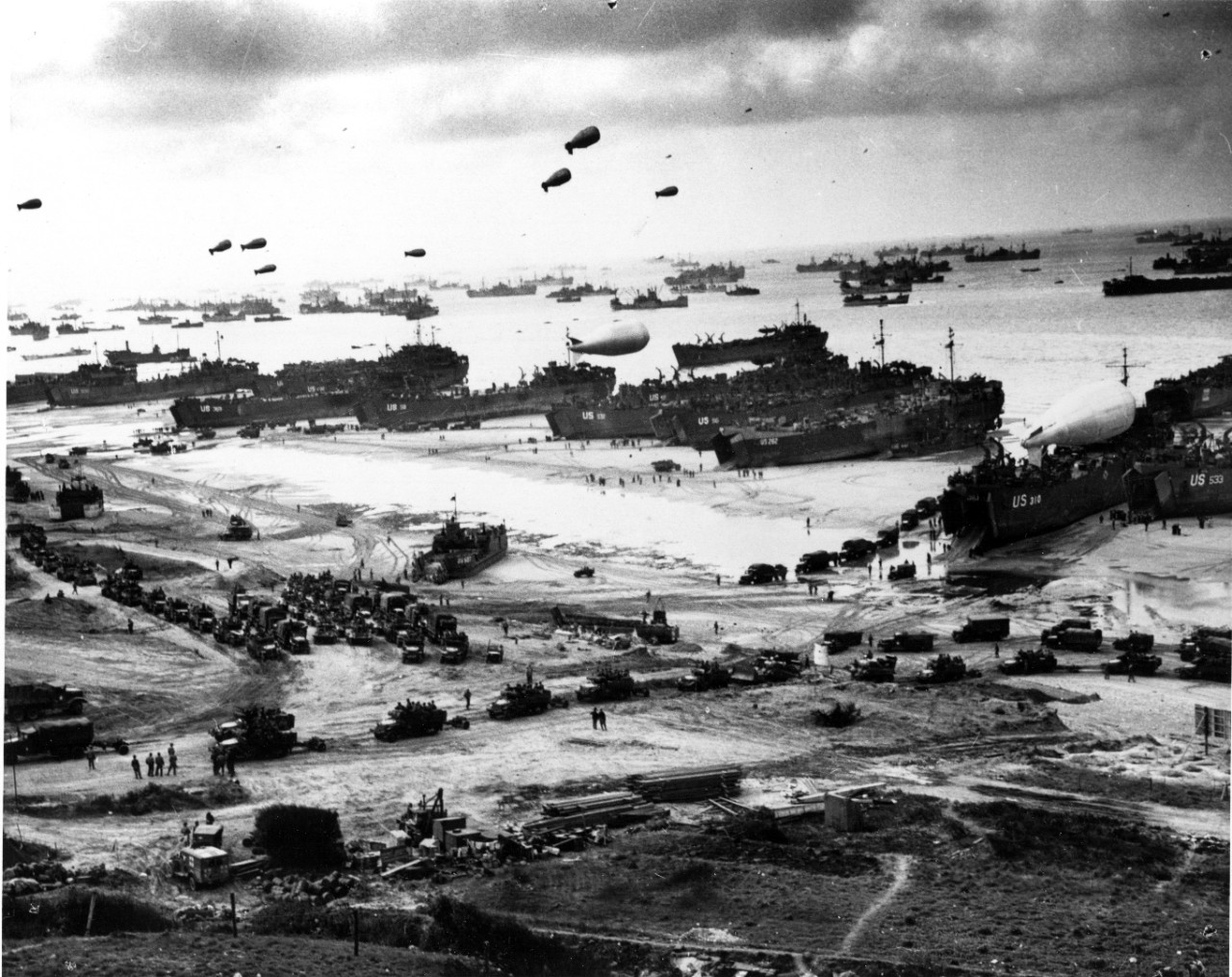 Photo #: 26-G-2517  Normandy Invasion, June 1944