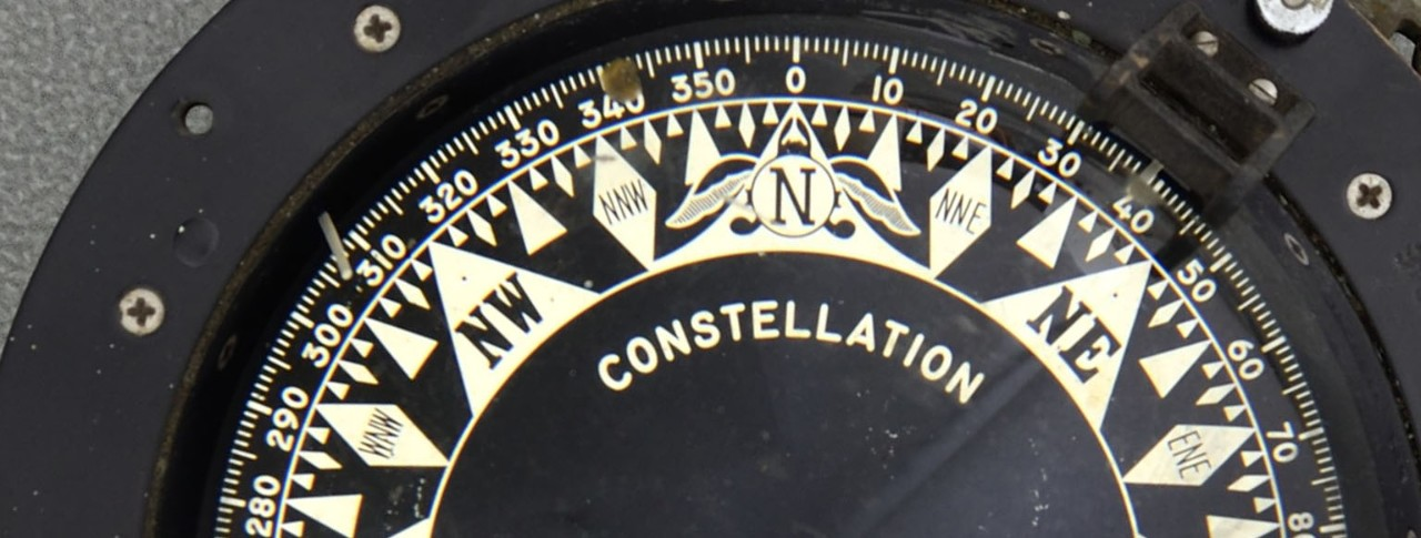 Modern Compass gauge style black with illuminated dial