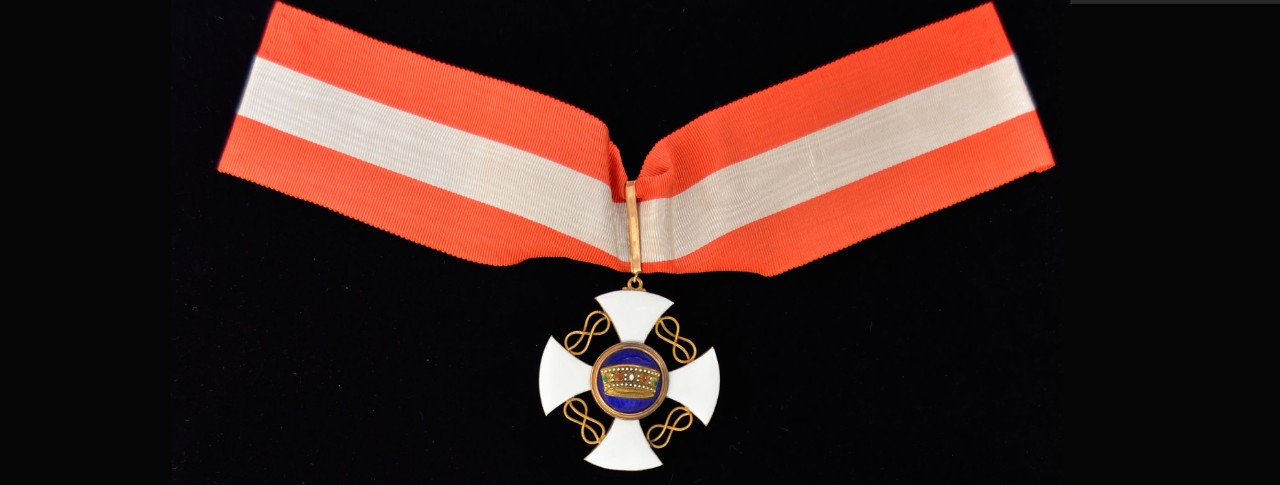 NHHC 1983-43-M Medal, Italian Order of the Crown