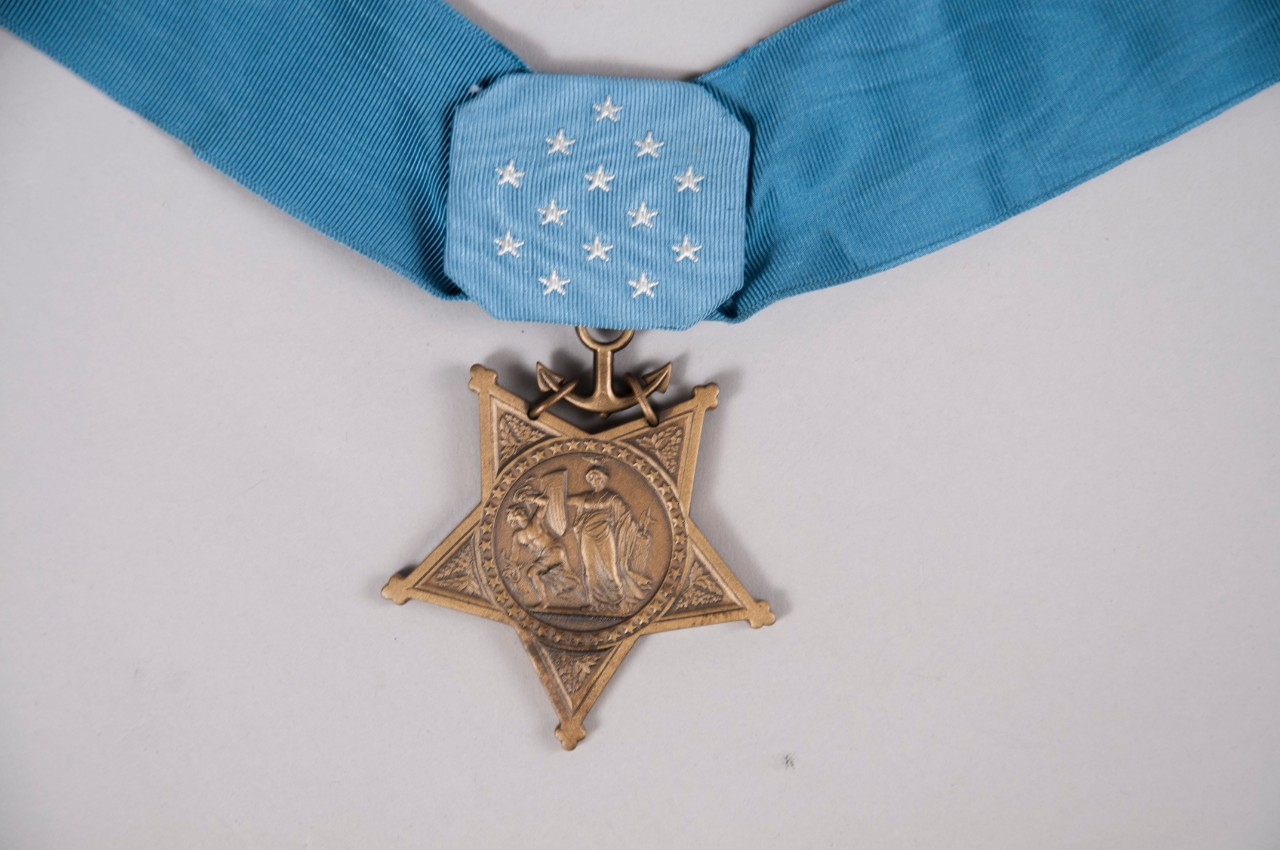 Display copy of Medal of Honor Obverse with Ribbon