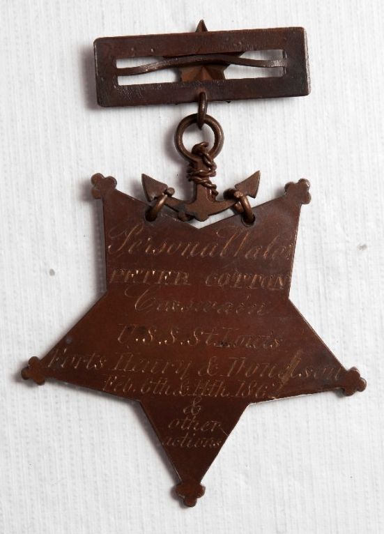 <p>Engraved reverse of medal of honor of Peter Cotton</p>