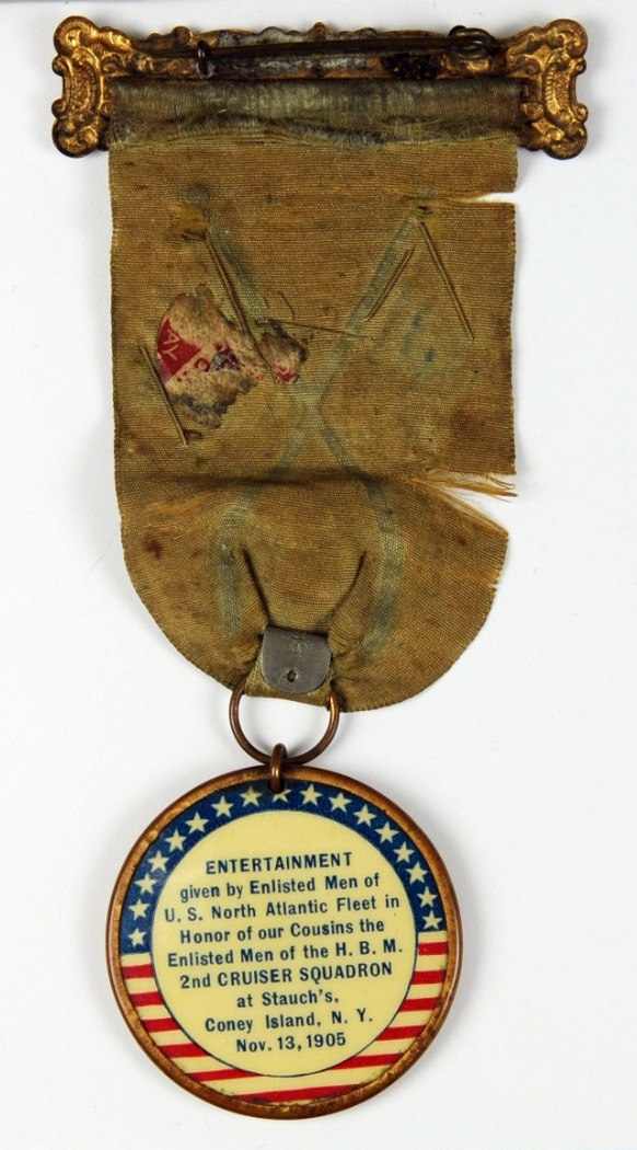 <p>Reverse of medal with text</p>