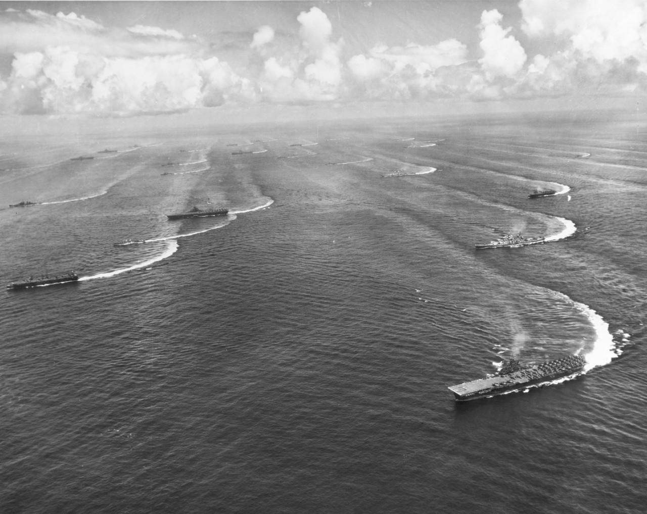 Photo #: 80-G-278815  Task Force 38, of the U.S. Third Fleet