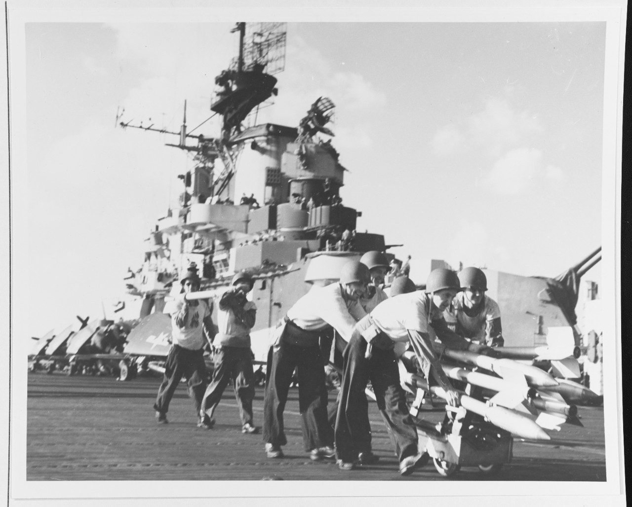 Photo #: 80-G-281338  Carrier Raids on Formosa, October 1944