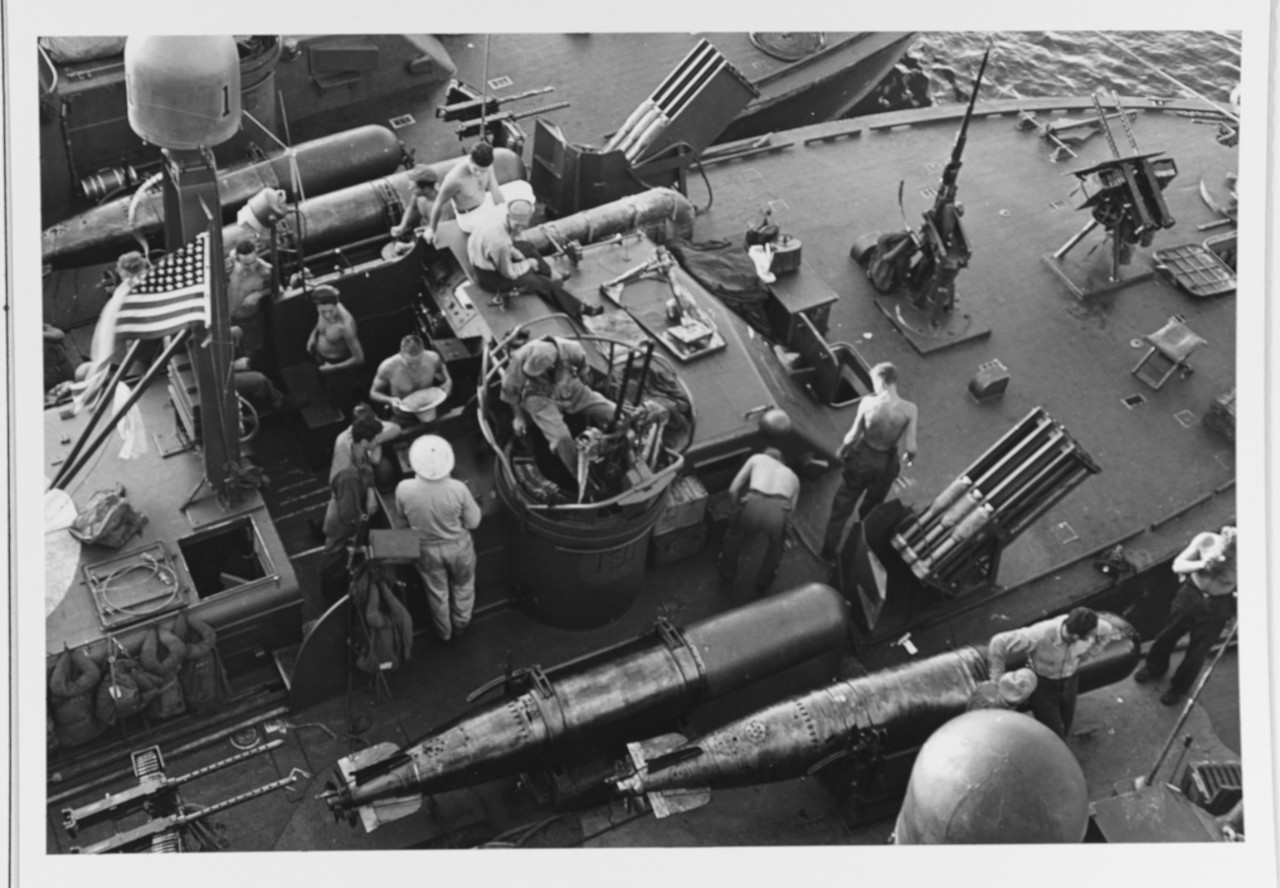 Photo #: 80-G-345819  Battle of Leyte Gulf