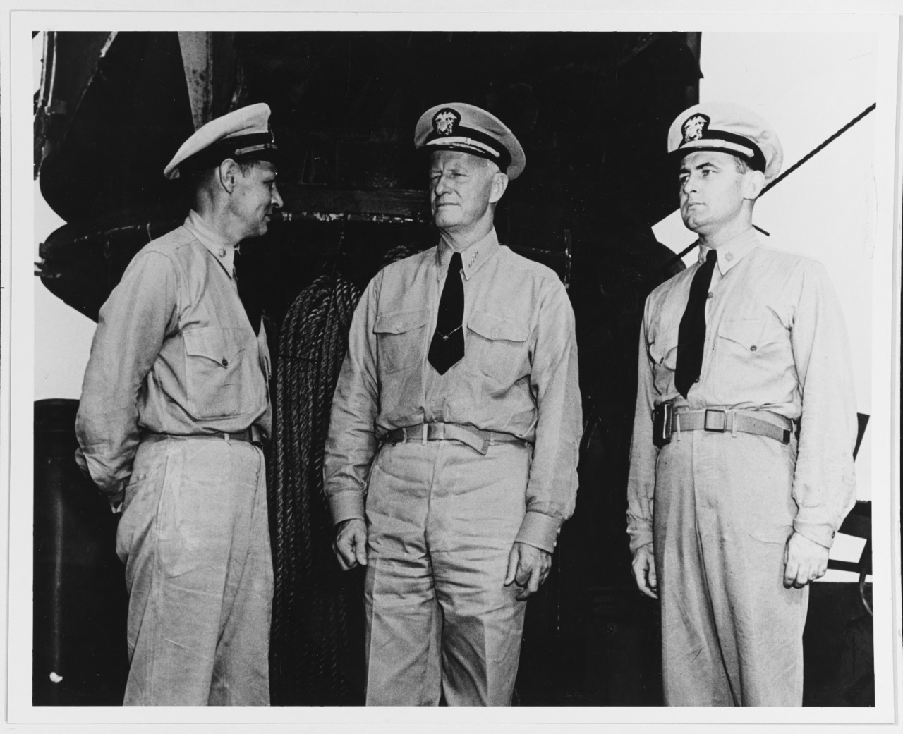 Photo #: 80-G-40031   Admiral Chester W. Nimitz, USN(center) (Commander in Chief, Pacific Fleet and Pacific Ocean Areas)