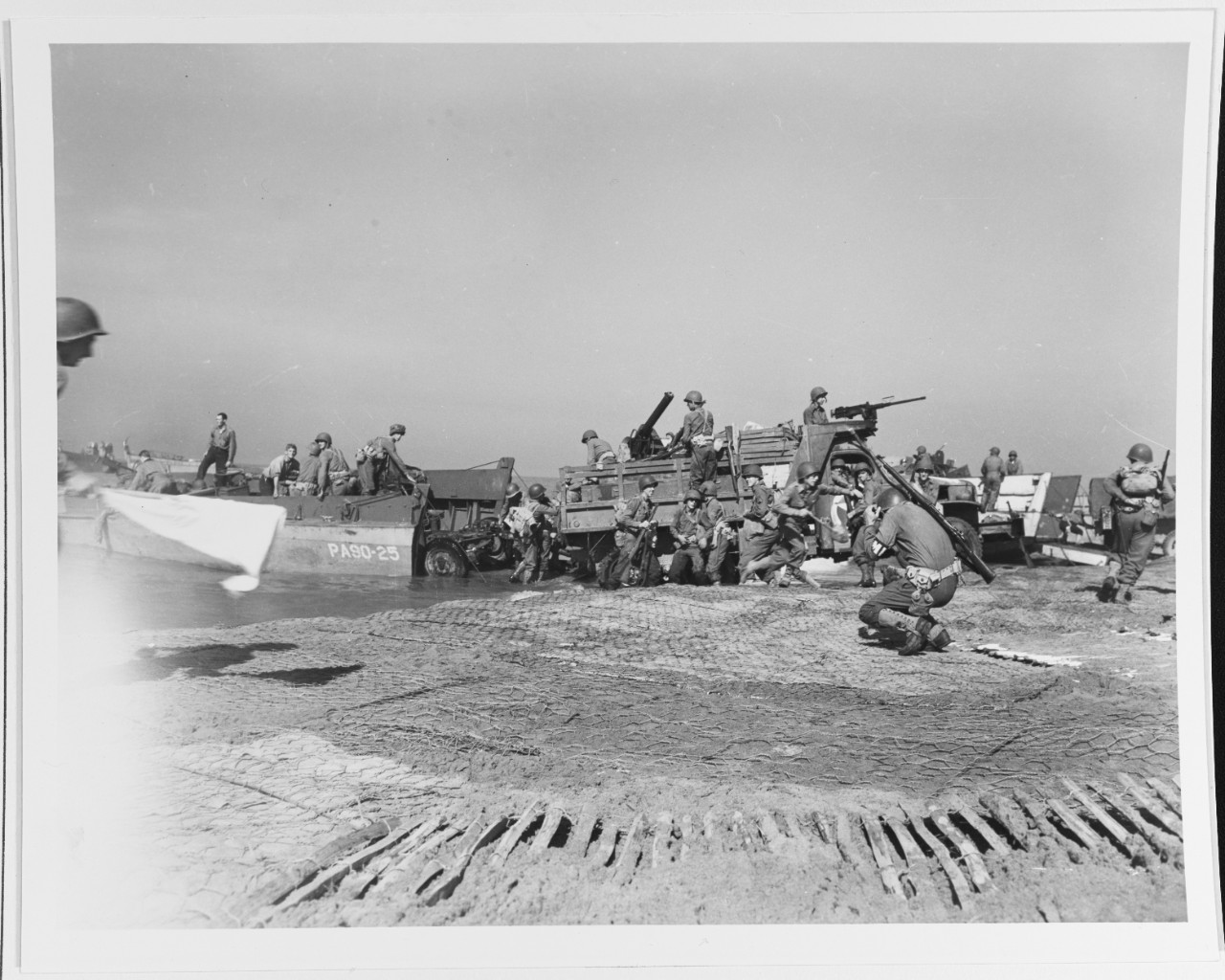 Photo #: 80-G-54600  Salerno Invasion, 1943