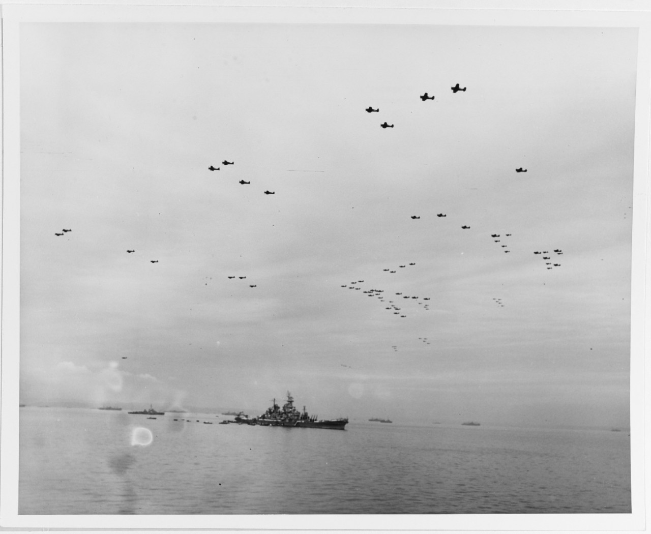 Photo #: SC 211863  Surrender of Japan, Tokyo Bay, 2 September 1945