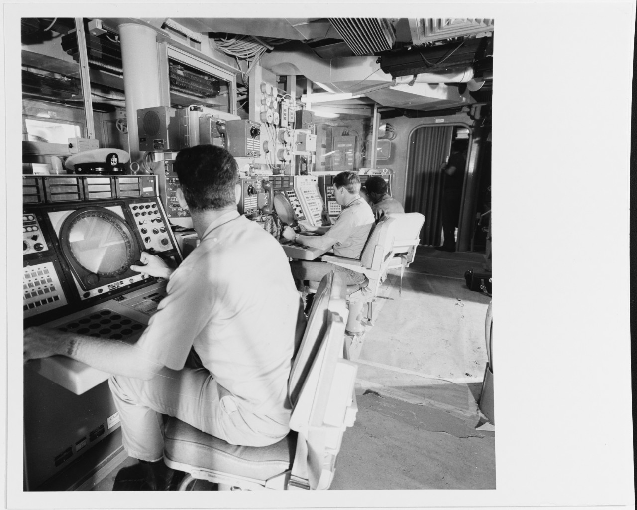 Photo #: USN 1162165  USS Spruance (DD-963)