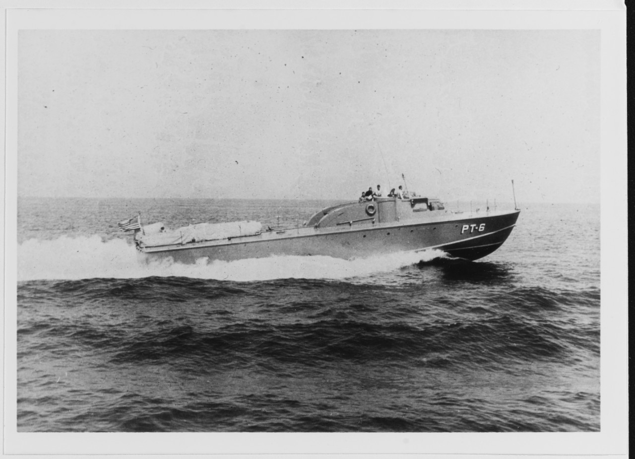 USS PT-6 Underway at high speed, in 1941