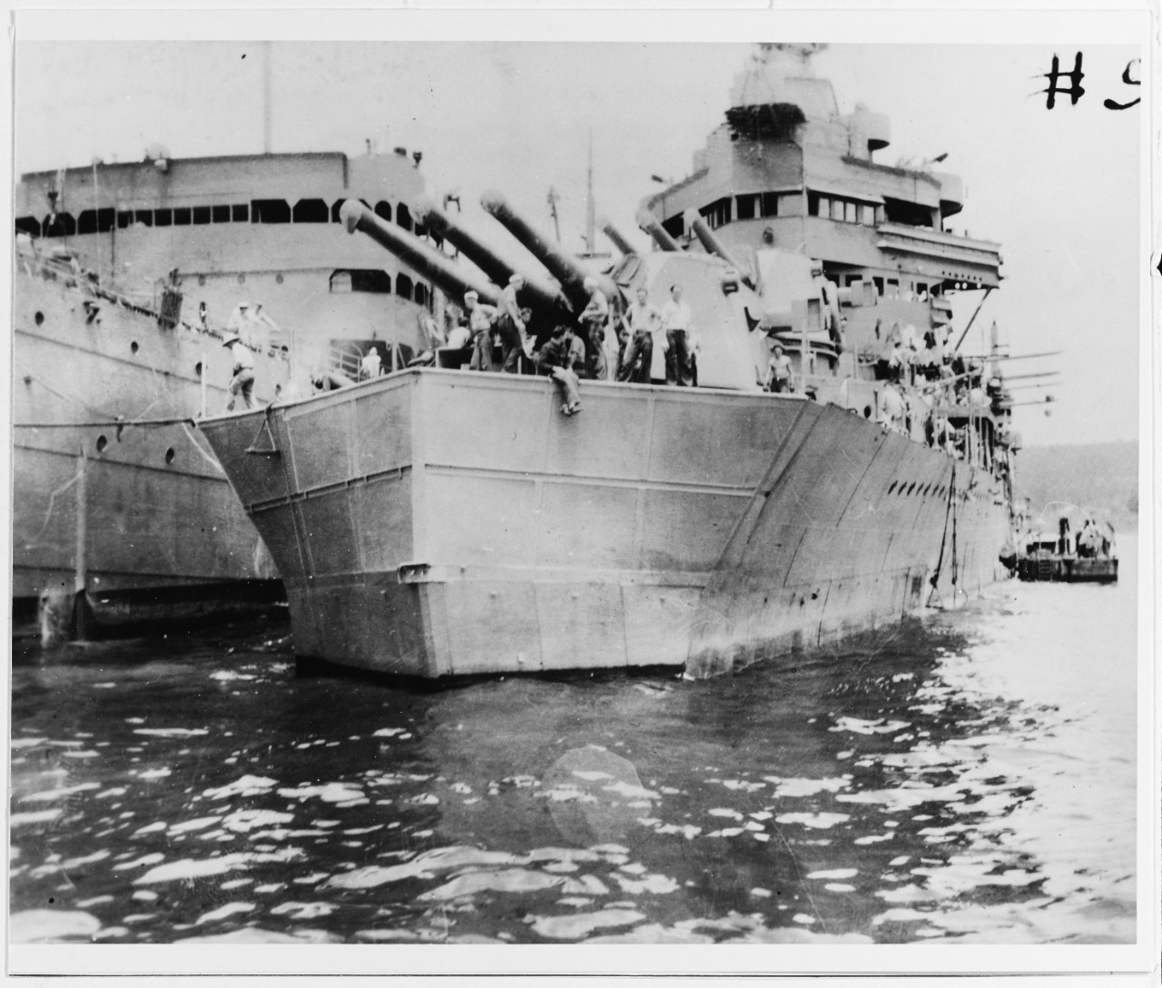 Photo #: NH 46013  USS Minneapolis (CA-36)