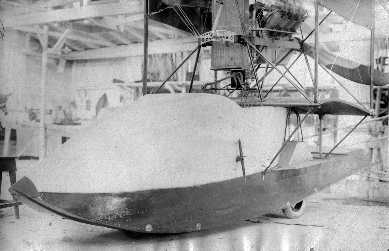 Amphibious hull for modification of the A-1 Hydro OWL