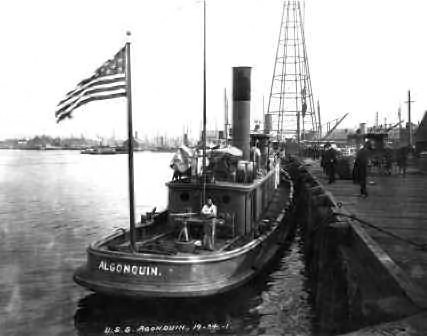 Algonquin (center) and Winooski (left) at the start of the race