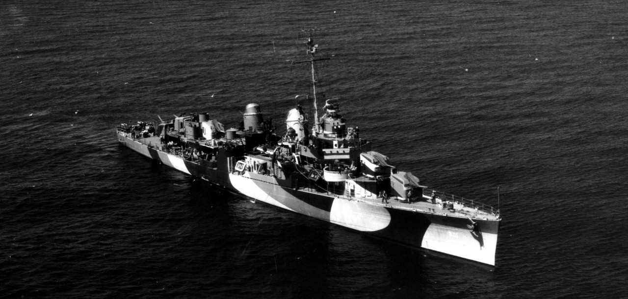 Colhoun lies-to in Puget Sound, 21 July 1944, painted in a disruptive three-color camouflage. (U.S. Navy Bureau of Ships Photograph BS-71252, National Archives and Records Administration, Still Pictures Division, College Park, Md.)