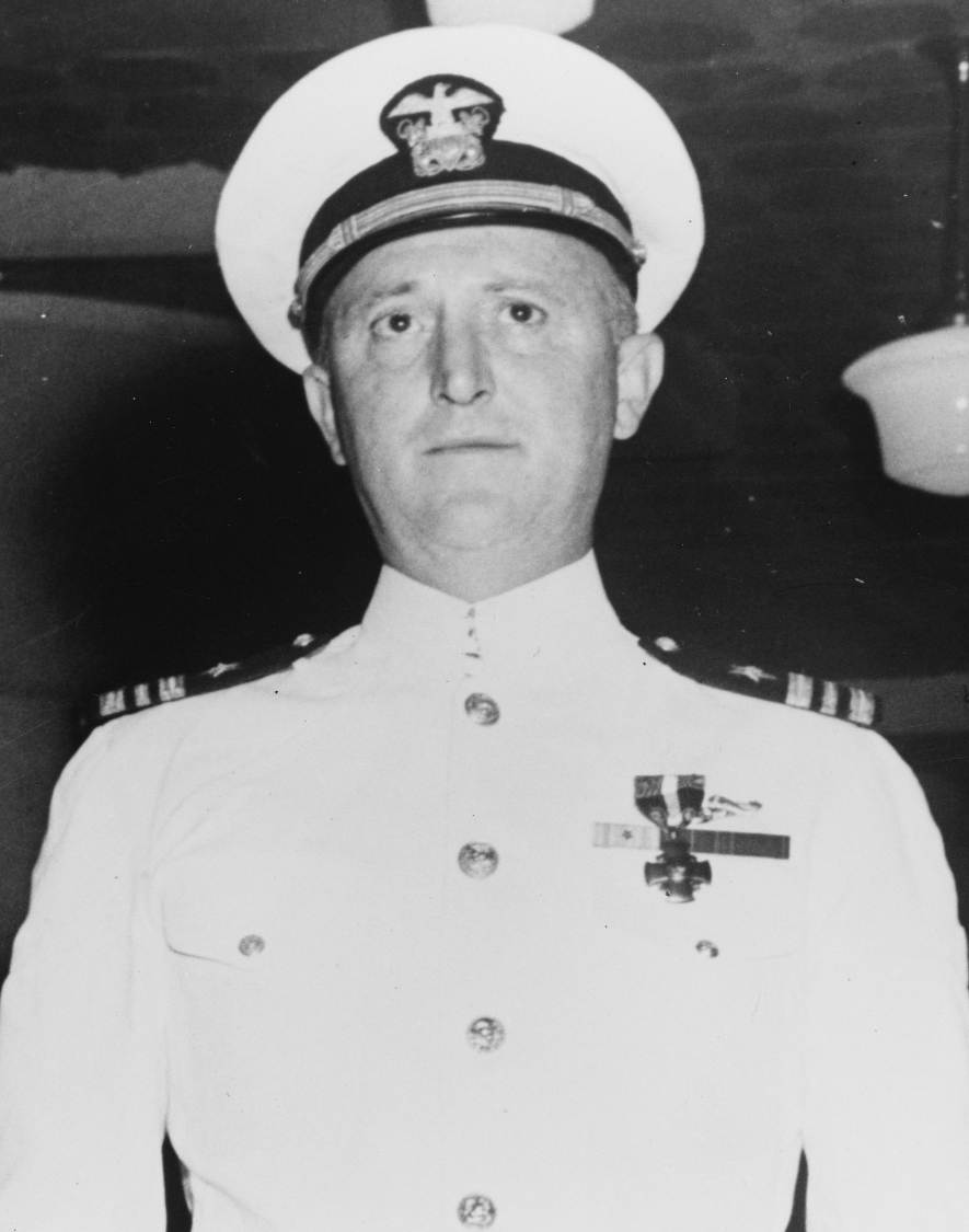 Lt. Cmdr. Howard W. Gilmore after being awarded the Navy Cross for extraordinary heroism while serving as commanding officer of Growler from 20 June to 17 July 1942. (U.S. Navy Photograph 80-G-41356, National Archives and Records Administration, Still Pictures Division, College Park, Md.)