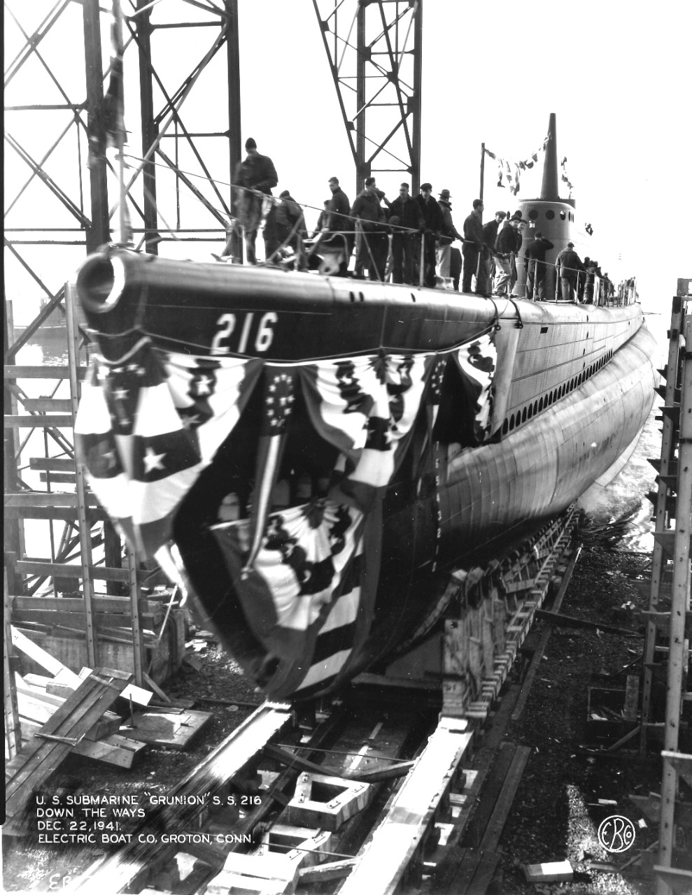 Grunion enters her element at the Electric Boat Co., Groton, on 22 December 1941. (U.S. Navy Photograph, Naval History and Heritage Command, Ships History Collection, Washington, D.C.)