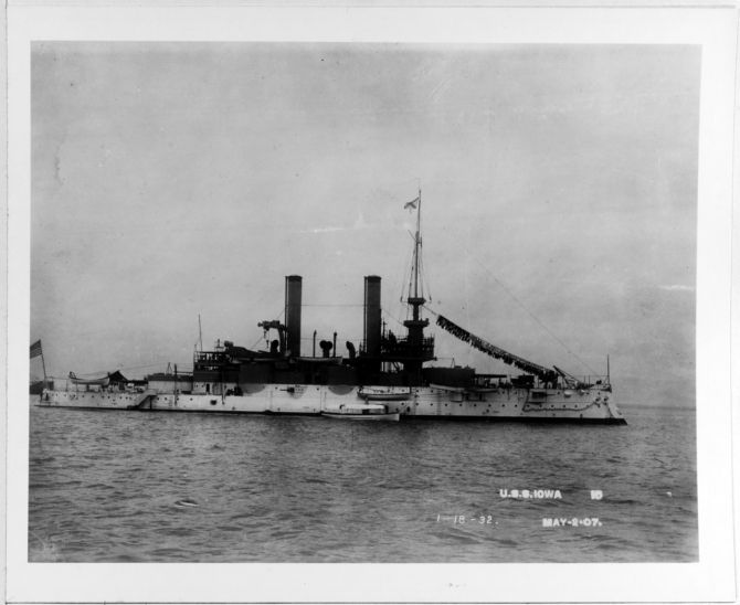 Iowa anchored in Hampton Roads during the Jamestown Exposition, 2 May 1907, laundry again festooning her dressing lines, forward. (Naval History & Heritage Command Photograph NH 63544, courtesy of Howard I. Chapelle)