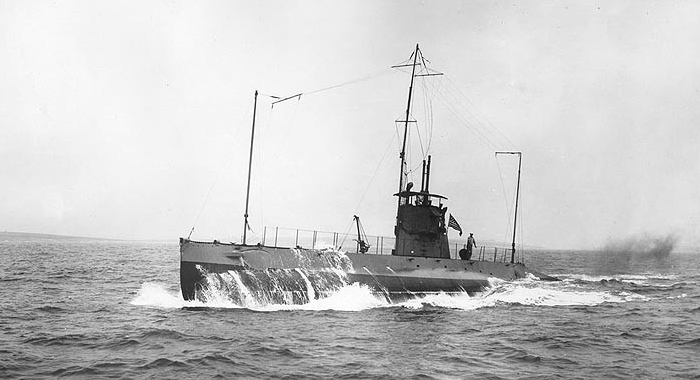 K-1 underway, circa 1916. Photographed by O.W. Waterman, Hampton, Va. (Collection of Cmdr. Haines H. Lippincott. Donated by Rhoda A. Lippincott, 1973, Naval History and Heritage Command NH 99399)