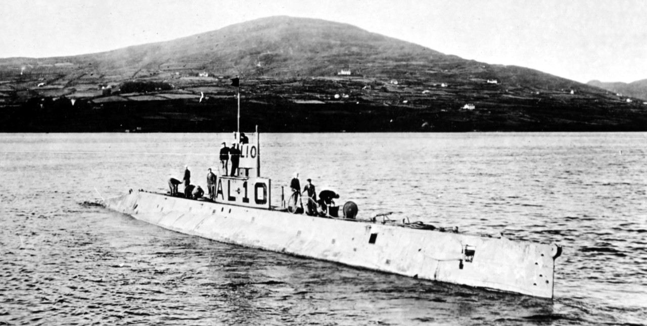 AL-10 in Bantry Bay, Ireland, April 1918. (Naval History and Heritage Command Photograph NH 51145)