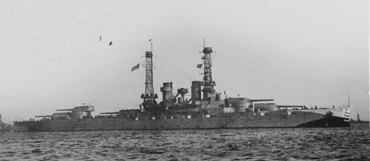 New York camouflaged, in 1917-18, while serving in British waters. (Naval History and Heritage Command Photograph NH 45142)