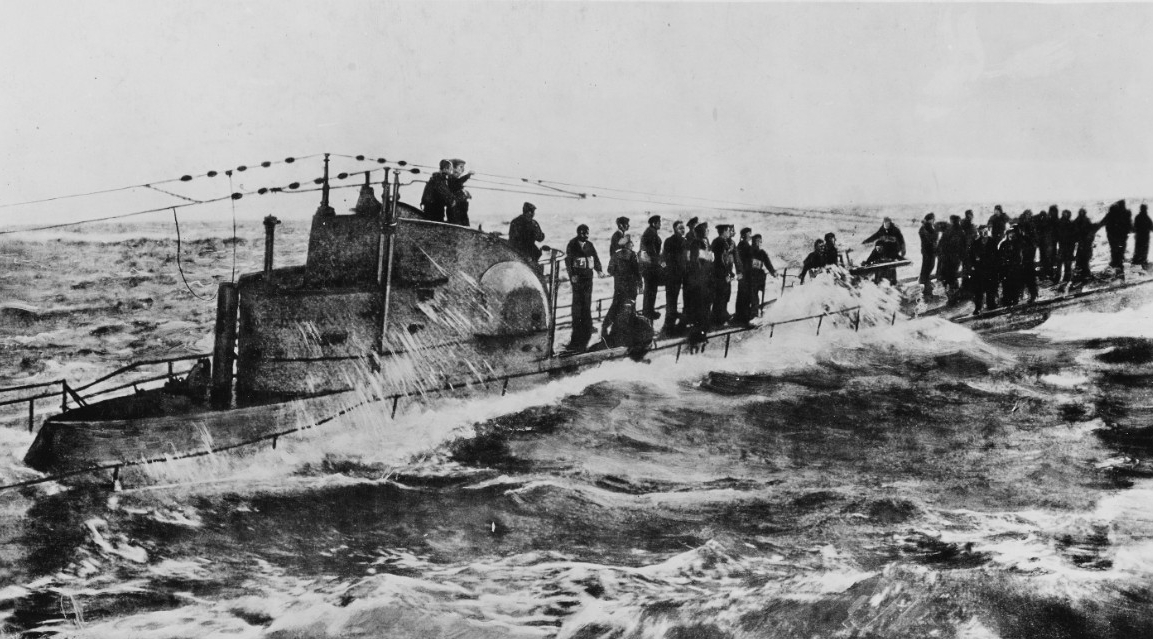 Drawing of the crew of U-58 topside during her capture by Fanning and Nicholson on 17 November 1917. (Naval History and Heritage Command Photograph. NH 111035)
