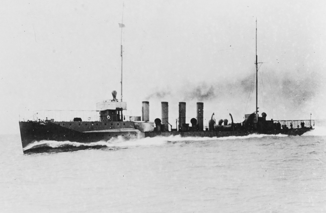 Nicholson running builder's trial in 1914 in advance of her commissioning. (Naval History and Heritage Command Photograph NH 44827)