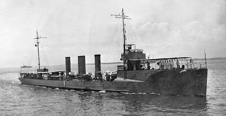 Patterson underway prior to World War I, probably circa 1912 when she was commanded by Harold R. Stark. The number 4 appears on her second stack. (Naval History and Heritage Command Photograph NH 99626)