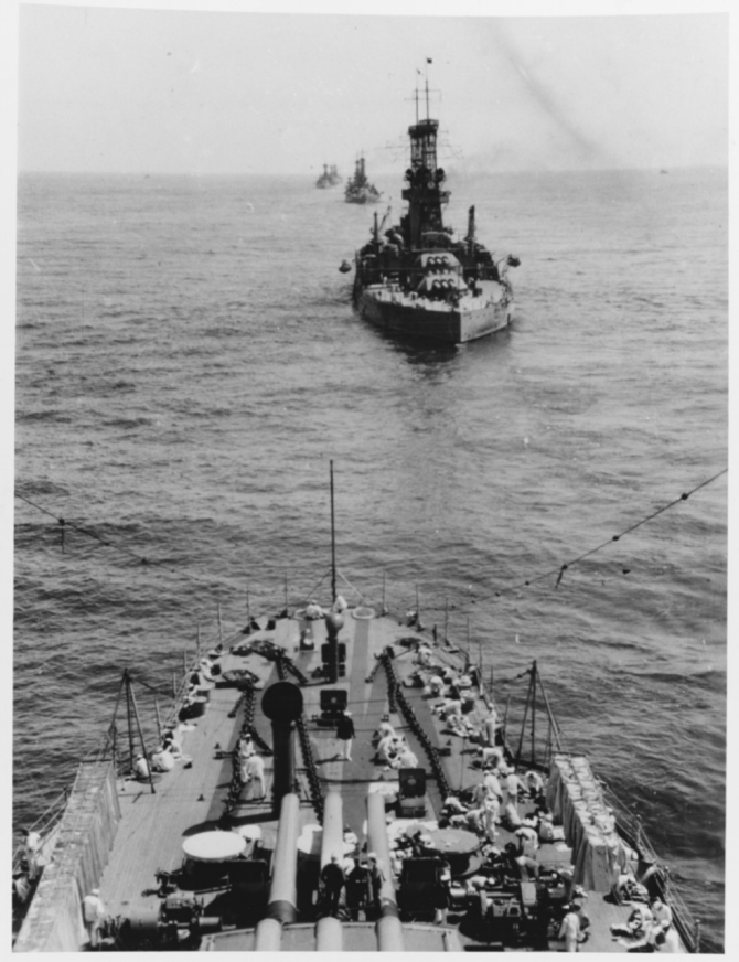 Pennsylvania steaming with the battle fleet during the early 1920s. Her crewmembers are doing laundry on the forecastle. Courtesy of Lt. Gustave Freret. (Naval History and Heritage Command Photograph NH 74647)