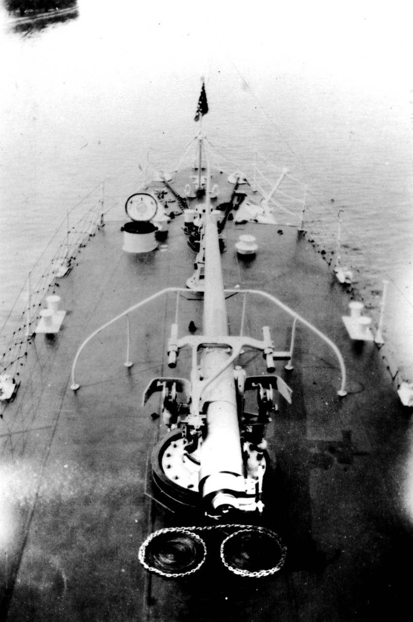Porter's forward 4-inch/50 caliber mount. (Official U.S. Coast Guard Photograph, Porter file, USCG Historian's Office)