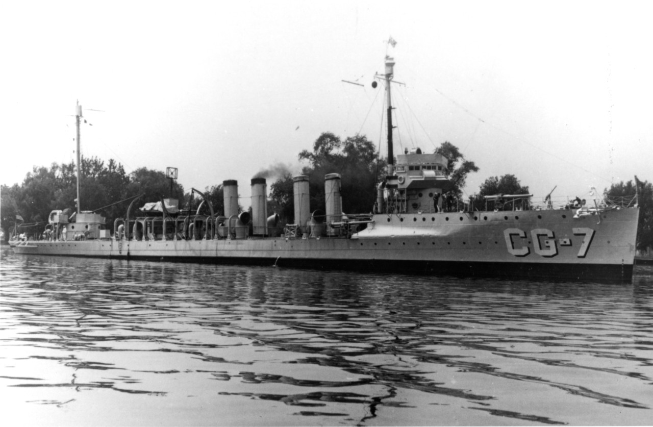 Undated image of Porter (CG-7). (Official U.S. Coast Guard Photograph, Porter file, USCG Historian's Office)