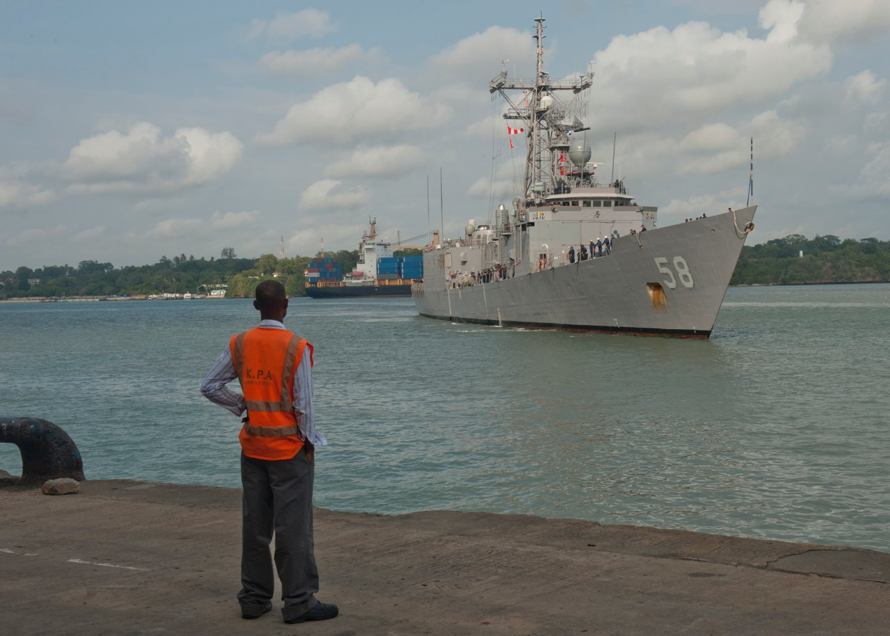Samuel B. Roberts arrives in Mombasa, Kenya, while training as part of Africa Partnership Station 2011, 19 July 2011. (MC2 William Jamieson, U.S. Navy Photograph 110719-N-OV802-083, Navy NewsStand)