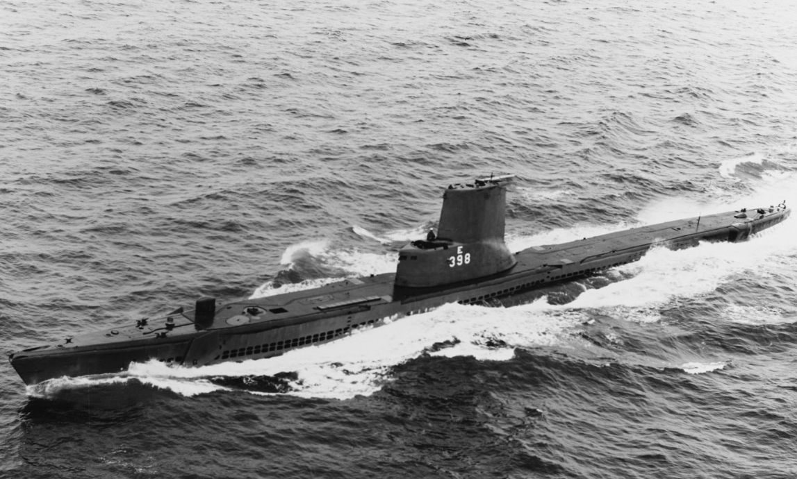 Segundo underway at sea, 1 March 1966. (Naval History and Heritage Command Photograph NH 1115253)