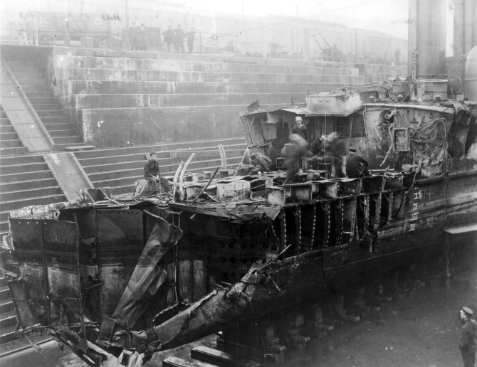 Shaw in dry dock at Portsmouth, England, after collision with Aquitania. (Official U.S. Navy Photograph, U.S. Naval History and Heritage Command, Shaw (Destroyer No. 68) file).