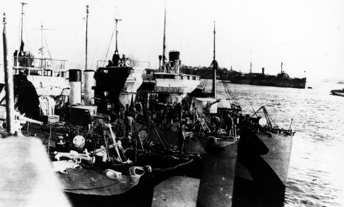 Queenstown, Ireland, 1918. Third ship from the left (just inboard of the outboard destroyer) is Terry. Melville (Destroyer Tender No. 2) is in the right background. Courtesy of Jack Howland, 1982. (Naval History and Heritage Command Photograph NH 93723)