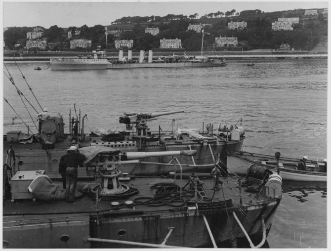 Warrington, Walke (Destroyer No. 34), and Porter (Destroyer No. 34) in British waters. Warrington is in foreground, Walke is next, and Porter (full length) is in the background. (Naval History and Heritage Command Photograph NH 109545)