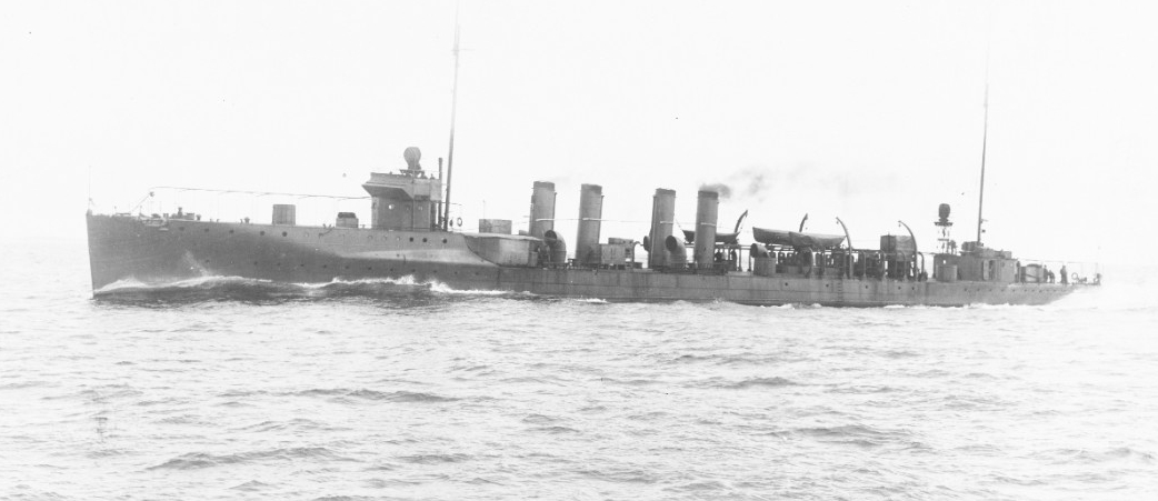 Wilkes steaming at 28.9 knots during trials, 30 September 1916. Her guns and torpedo tubes have not yet been fitted. (Naval History and Heritage Command Photograph NH 60340)