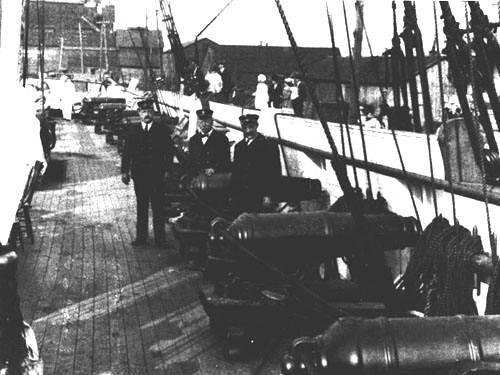 PORT BATTERY of carronades on the main deck of the reconstructed brig Niagara (July 1913).